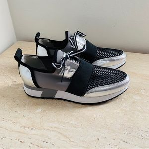 Steve Madden Antics sneakers size 7M